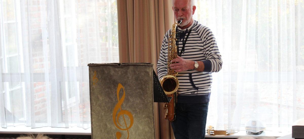 Unterhaltsamer Nachmittag mit Peter Habla und seinem singendem Saxophone