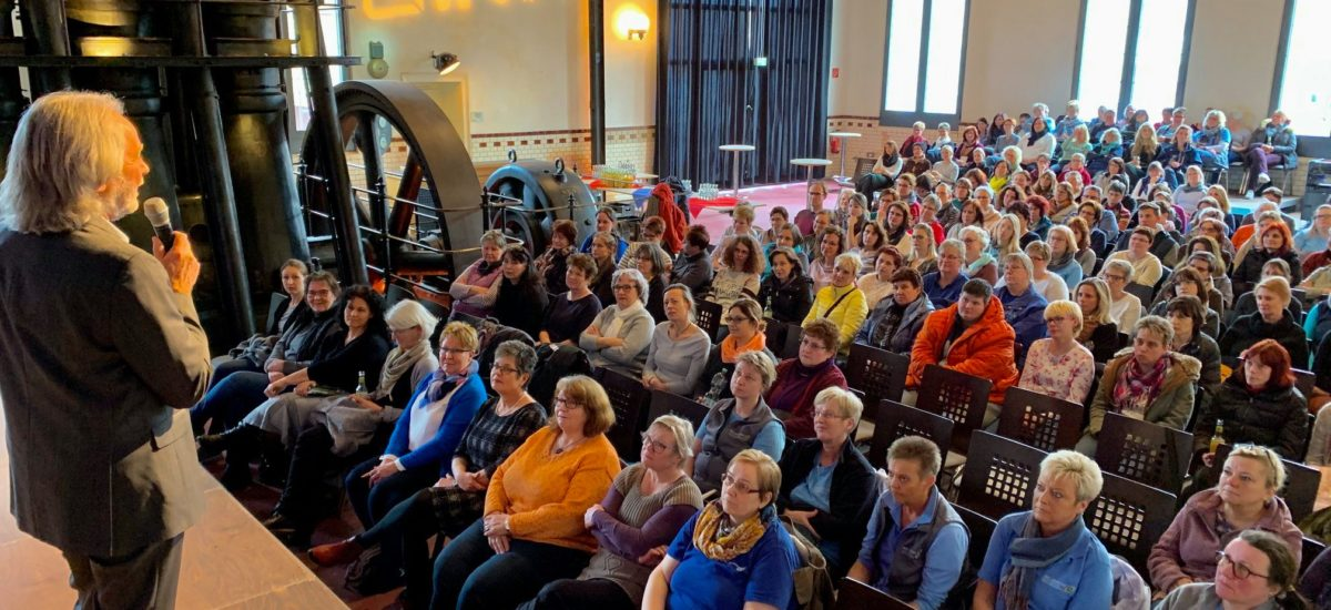 Erich Schützendorf inspiriert mehr als 200 Zuhörer