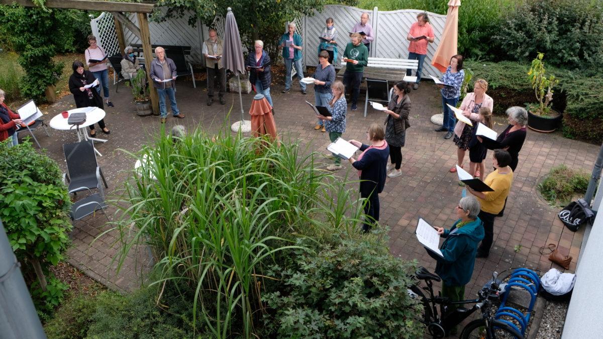 Kantorei Eschwege gibt Balkon-Konzert